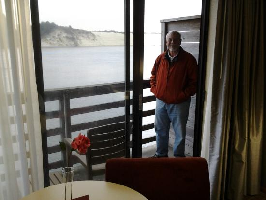 River House Inn: View of the river and sand dunes from our balcony.