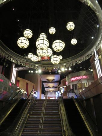 Hollywood Casino Joliet: inside