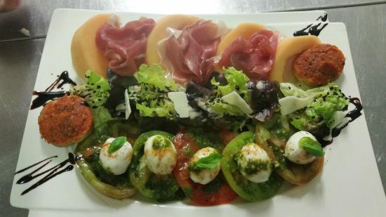 Signes, Francja: Salade italienne