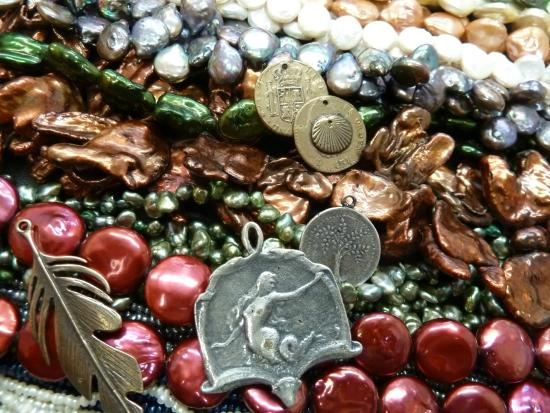 Cambria Beads: Freshwater pearls and more...