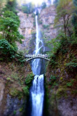 ฮูดริเวอร์, ออริกอน: Multnomah falls