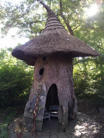Winterthur, DE: Cute little play house iin the Enchanted Woods,
