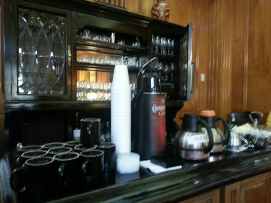 Governors Inn: Bar area