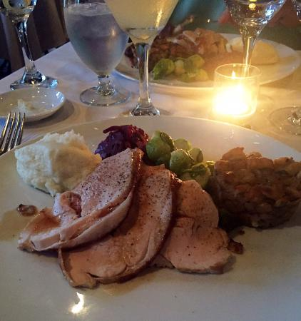 Bacchus Restaurant & Lounge: Traditional turkey dinner at Bacchus Restaurant