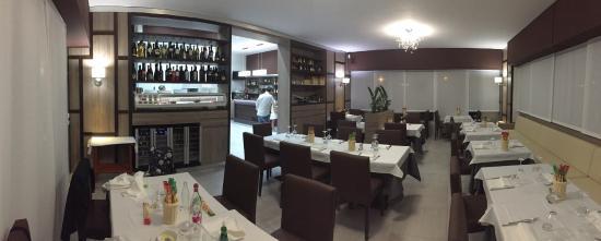 Mela's Restaurant
