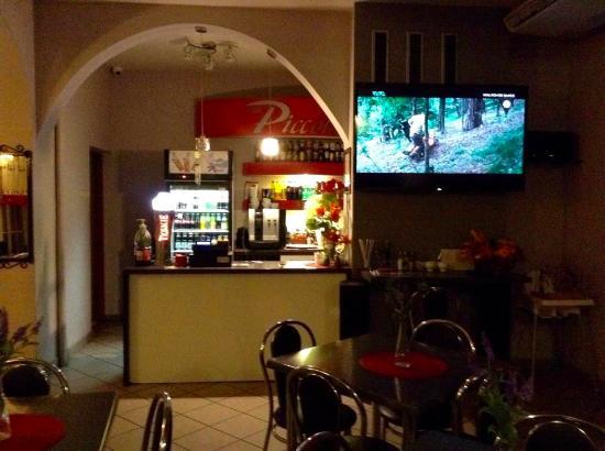 Piccolo Bar & Restaurant: Bar Piccolo