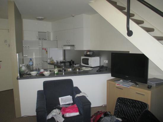Great Metro Apartments On Darling Harbour: Habitación Con La Cocina