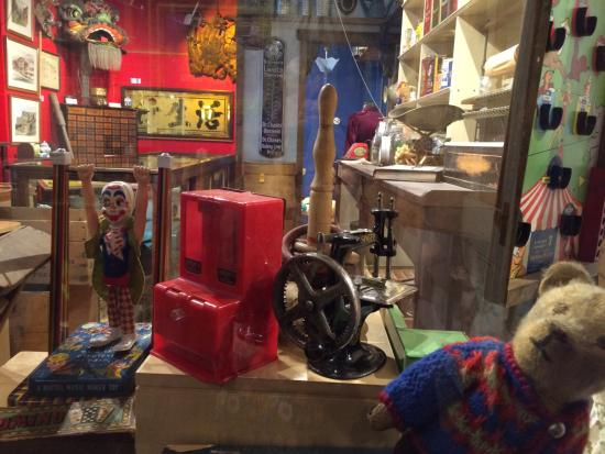 Nanaimo, Kanada: Toy Display in the Old Time General Store