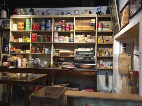 Nanaimo, Canada: Old Time General Store shelves