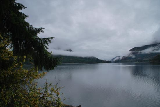 Strathcona Park Lodge & Outdoor Education Centre: Lake view