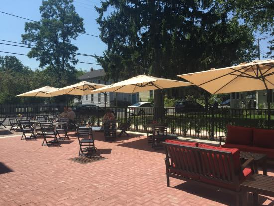 Tivoli, NY: outdoor patio