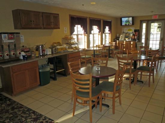 Days Inn Grayling: Breakfast Area