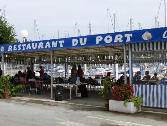 Mortagne-sur-Gironde, Γαλλία: The harbour side