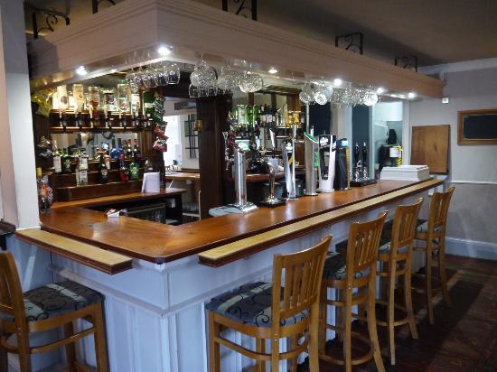 The Saracen's Head Steakhouse: bar