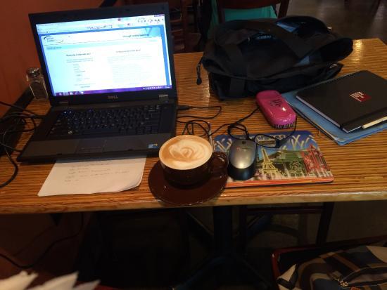 Demolition Coffee: Caramel Latte & Enjoying Free Wifi