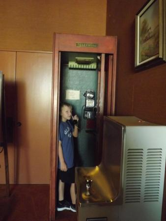 Kilgore, TX: old phone booth