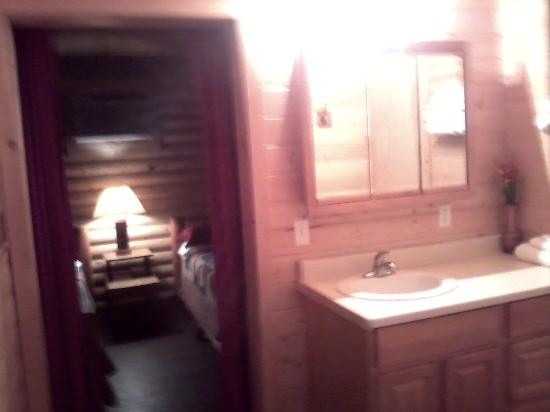 Kooskia, ID: bathroom to bedroom