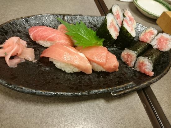 Sushi-Ya Akabetakenotsuka Main Store: トロ三昧