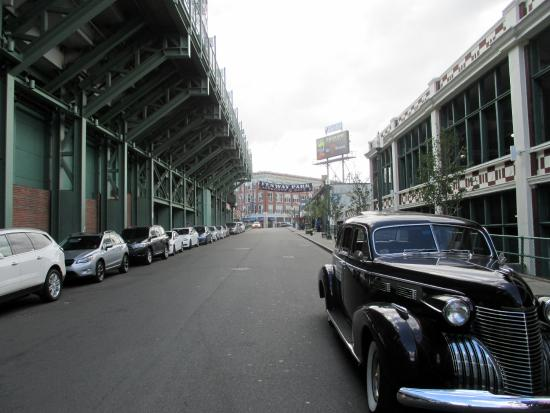 Antique Limousine - Boston Tours : The car parked behind Fenway