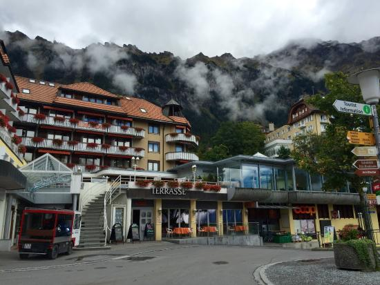 Hotel Silberhorn: The hotel as taken from the main plaza