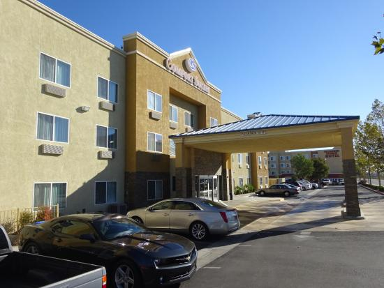 Comfort Suites Victorville: Hotel Picture from Outside