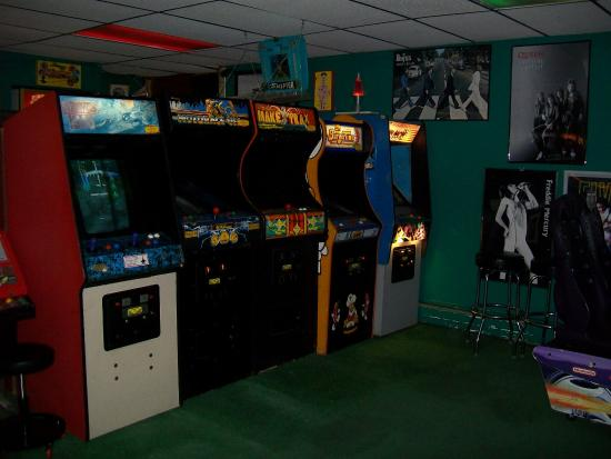 Rossi's Pizza & Vintage Arcade: Classic games