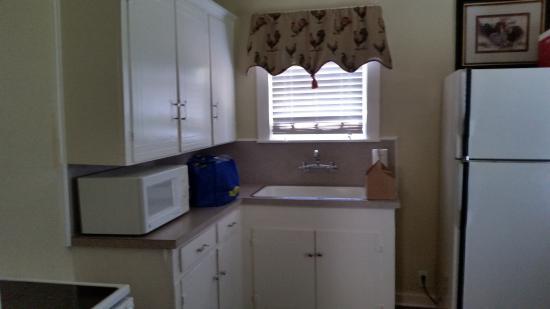 Rockdale, TX: the kitchen