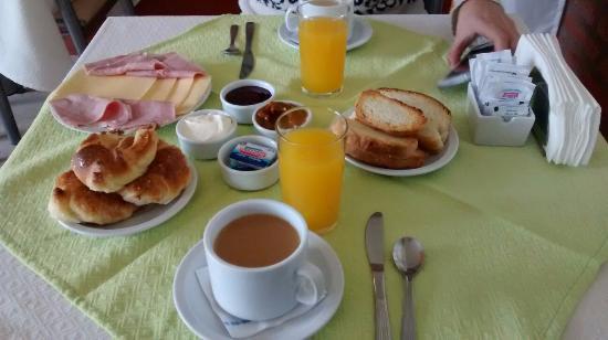 Hostería Postal De Las Sierras: Desayuno de todos los días