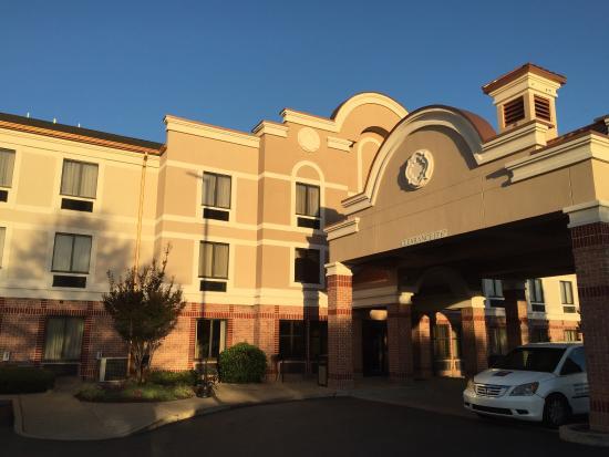 Comfort Inn & Suites Airport - American Way : photo2.jpg