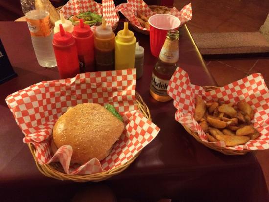 Burger Stop: 150gr angus burger