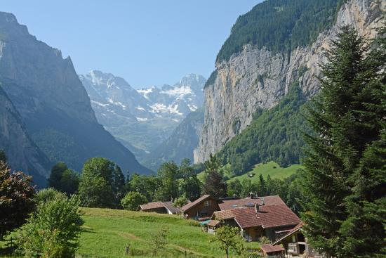 Chalet Bobs: Lauterbrunnen Valley