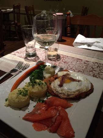 Hedi's Wine Bistro: main dish