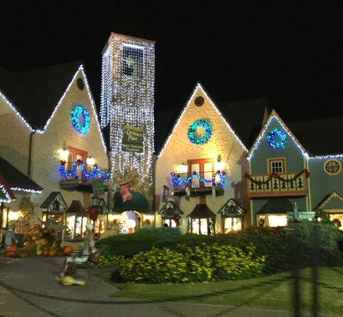 Holiday Inn Express Pigeon Forge/Dollywood: Christmas Store all Year!