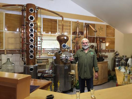Island Spirits Distillery: Peter and his still