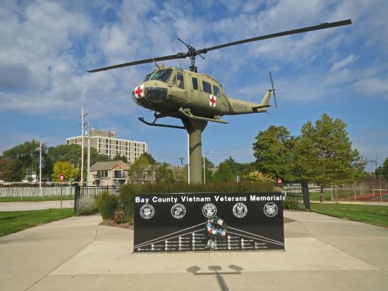 Veterans Memorial Park: Memorial with Med Evac