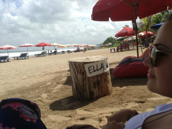Ella n Dut Bar: June 2015...Yay..Dut was putting up new signs when we were here and so we scored these originals