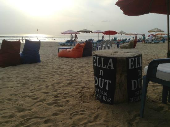 Ella n Dut Bar: The new signs in place (I have the old ones on my wall!)
