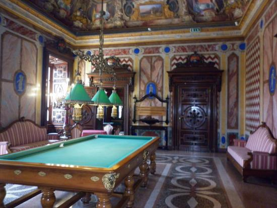 Sala Da Biliardo Pavia : Elegante tavolo da biliardo casa di design interno esterno