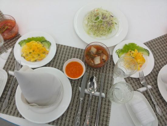 Hamhung, Nordkorea: Beim Essen und dem Service gab es wirklich nichts zu meckern.