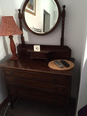 Queen In The West: Fab vintage furniture