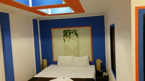 Mecca Beach Front Hotel Patong Phuket: Superior Room