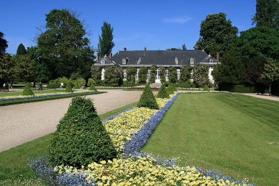 allee principale picture of jardin des plantes rouen tripadvisor. Black Bedroom Furniture Sets. Home Design Ideas