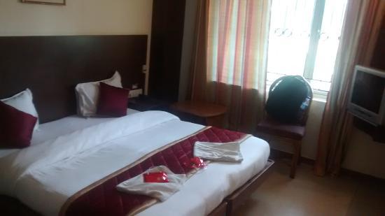 OYO 649 Hotel Ajantha Trinity Inn: Hotel Room