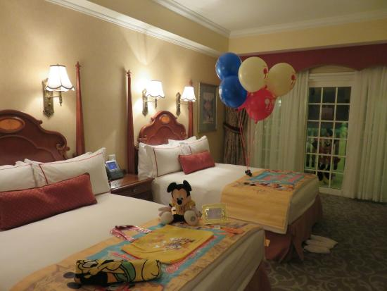 Decorating Disney Hotel Rooms