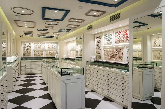 Great jewelry store in Plaka - Review of Kostis Jewellery Store