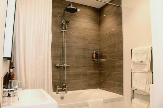 The Cliff Hotel & Spa: Bathroom