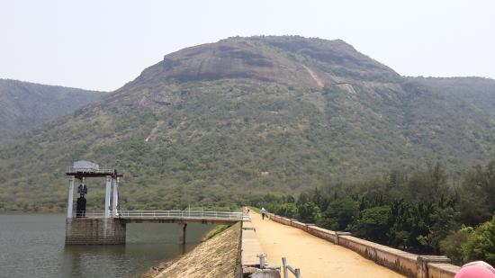 Srivilliputhur, India: View of the Dam