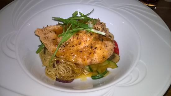 The Rancliffe Arms: crispy Malaysian chicken, soft noodles with plum sauce. yum yum 😋
