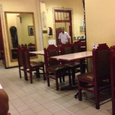Mathura Madras Woodlands Restaurant: Sitting Area