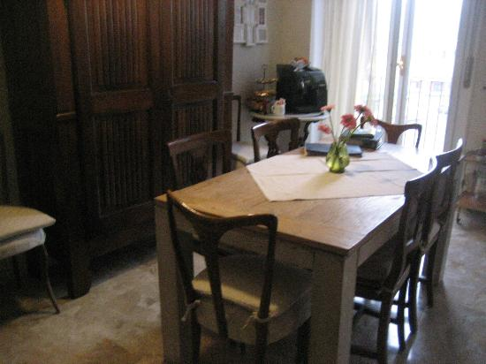 Monticlaris Bed and Breakfast Self Contained: Soggiorno